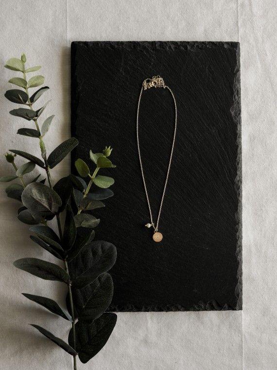 Fio pérola + medalha pequena | Libelinha gravada