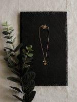 Fio pérola + medalha pequena | Coroa gravada