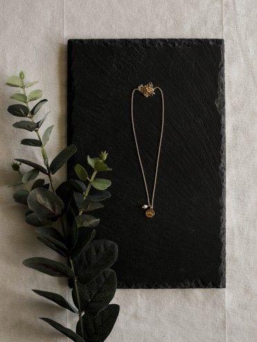 Fio pérola + medalha pequena   Coroa gravada
