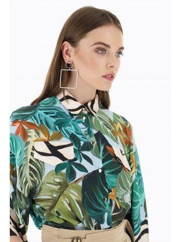 Camisa Azul Padrão Tropical e pormenores Zebra
