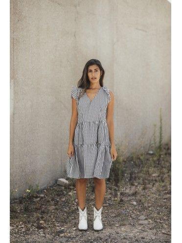Vestido curto padrão quadrados