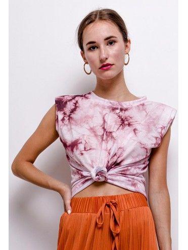T-shirt tie dye com ombreiras